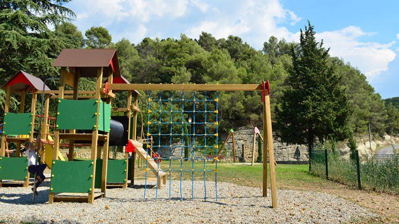 Spielplatz in Bonnieux