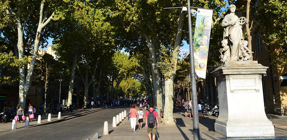 Aix-en-Provence Boulevard Cours Mirabeau
