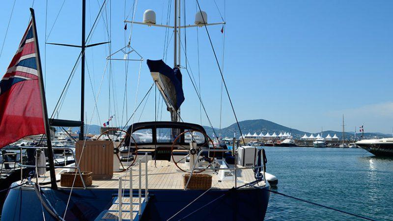 alter-hafen-in-saint-tropez-yacht