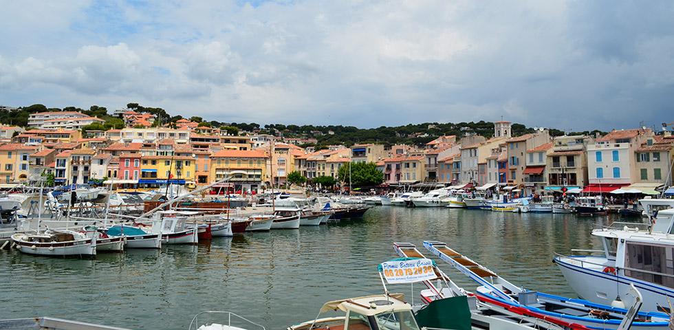 Cassis Abfahrt Calanques Hafen