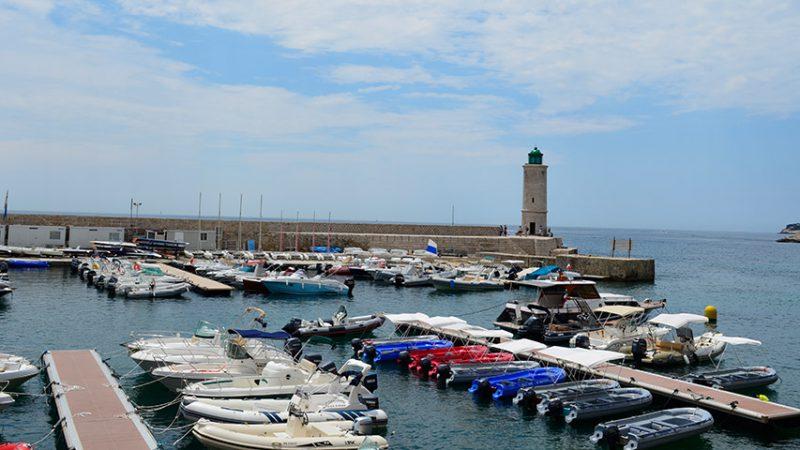 cassis-hafen-leuchtturm-cote-azur-provence