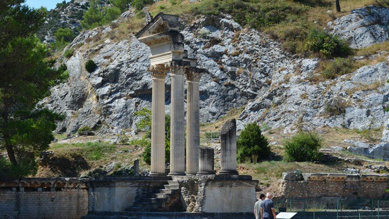 glanum-tempel-les-beaux-provence