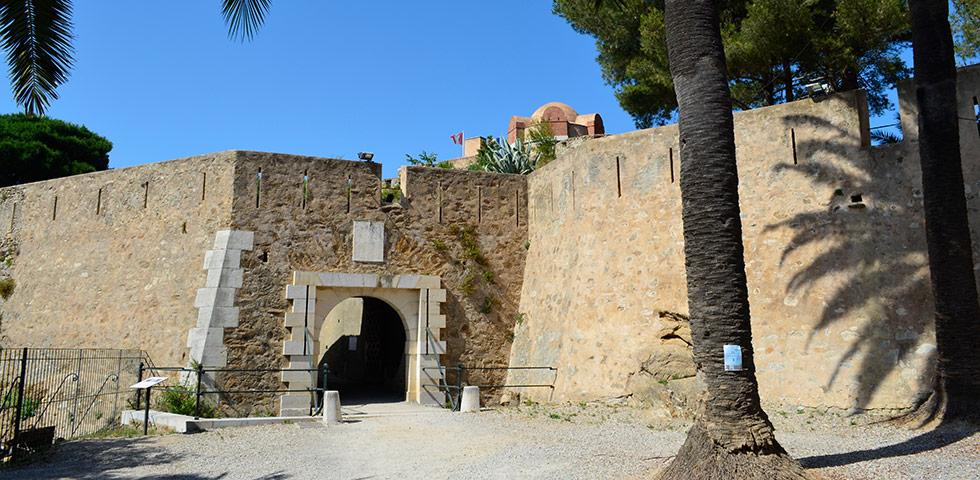la-citadelle-saint-tropez-Eingang