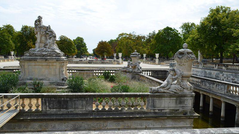 nimes-Jardins de la Fontaine-wasser-brunnen