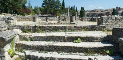 vaison-la-romaine-Maison-du-Dauphin-provence
