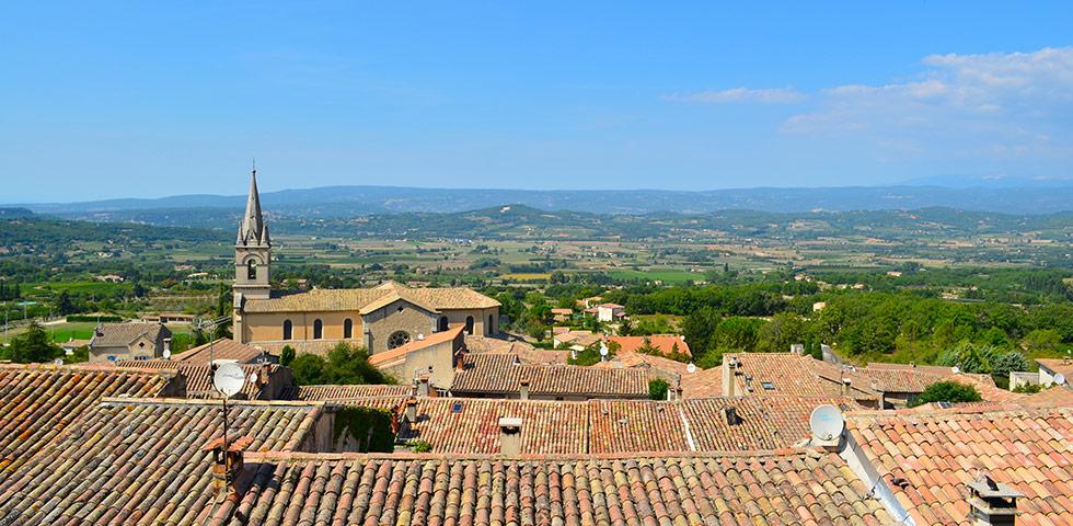 Landschaft des Luberon bei Bonnieux