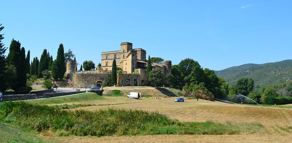 Schloss von Lourmarin im Luberon