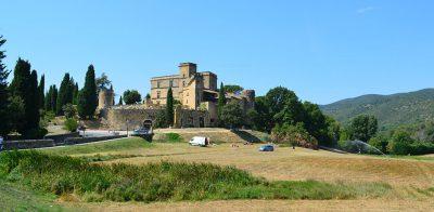 lourmarin-provence-chateau