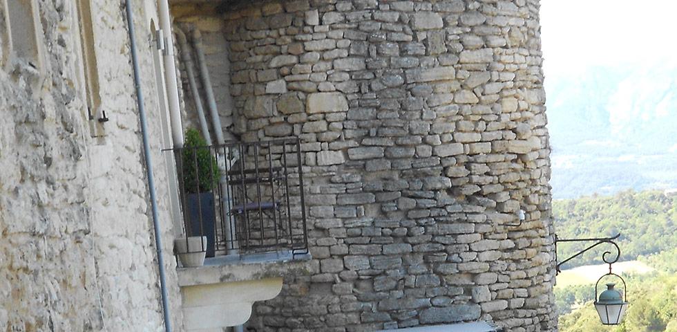 Reste Stadtmauer Ménerbes Provence