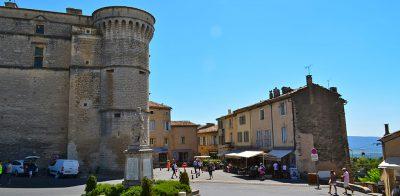 Gordes-Chateau-Provence