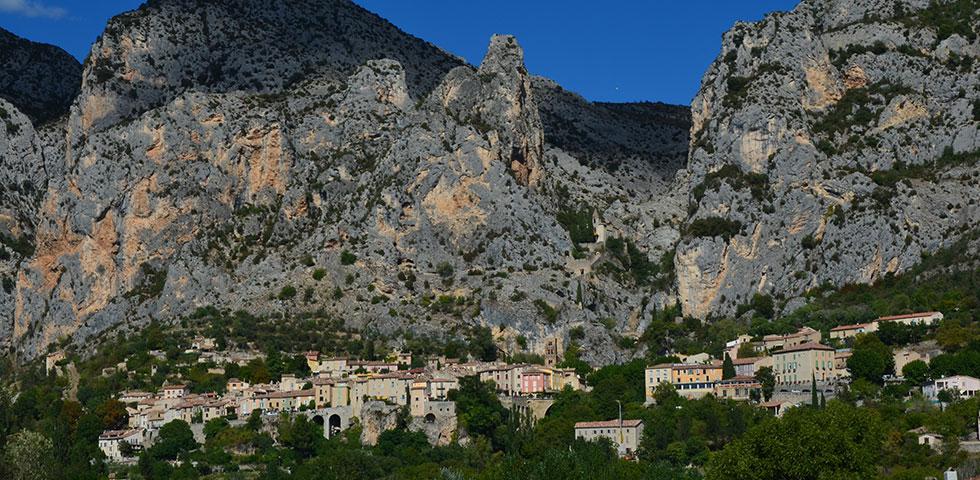 moustiers-sainte-marie-village-provence